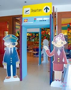 Styro---Terminal-Entrance_2-20050304