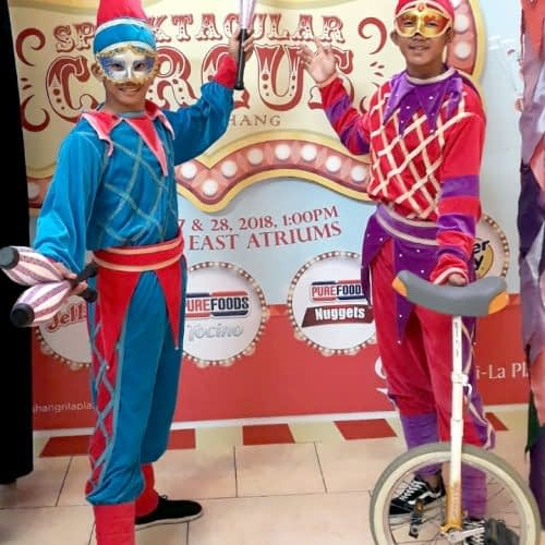 Unicyclist and Roving Juggler