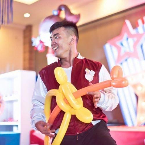 Popsquad Balloon Show